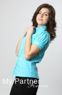 Dating with Beautiful Ukrainian Lady Elena from Vinnitsa, Ukraine