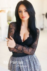 Dating with Beautiful Ukrainian Lady Anna from Kiev, Ukraine