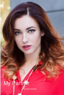 Dating Service to Meet Beautiful Ukrainian Woman Aleksandra from Kiev, Ukraine