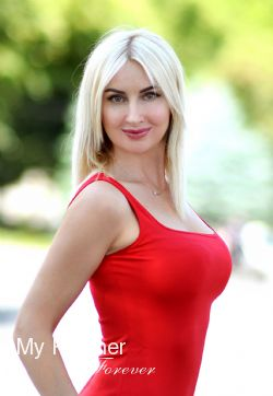 Dating Service to Meet Stunning Ukrainian Lady Marina from Kharkov, Ukraine