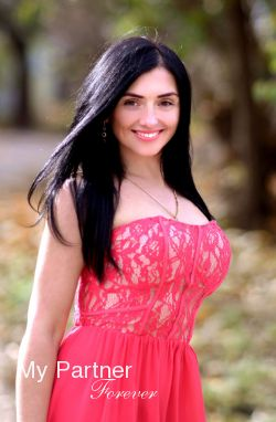Ukrainian Girl for Marriage - Larisa from Kharkov, Ukraine
