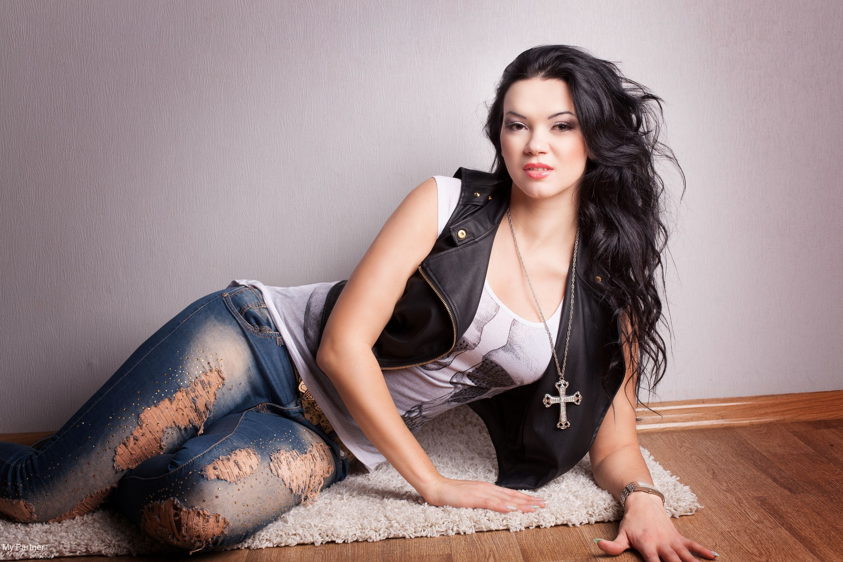larisa mature women dating site Honest, serious aobut the relations, the one who has similat interests as i do, which is to take care of animals and nature the one who accepts peopl.