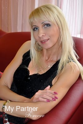 Dating Service to Meet Stunning Russian Lady Nataliya from Pskov, Russia