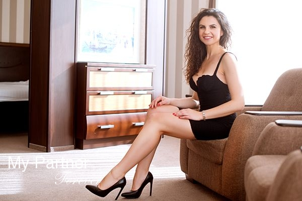Marriage Agency Service to Meet Valentina from Zaporozhye, Ukraine